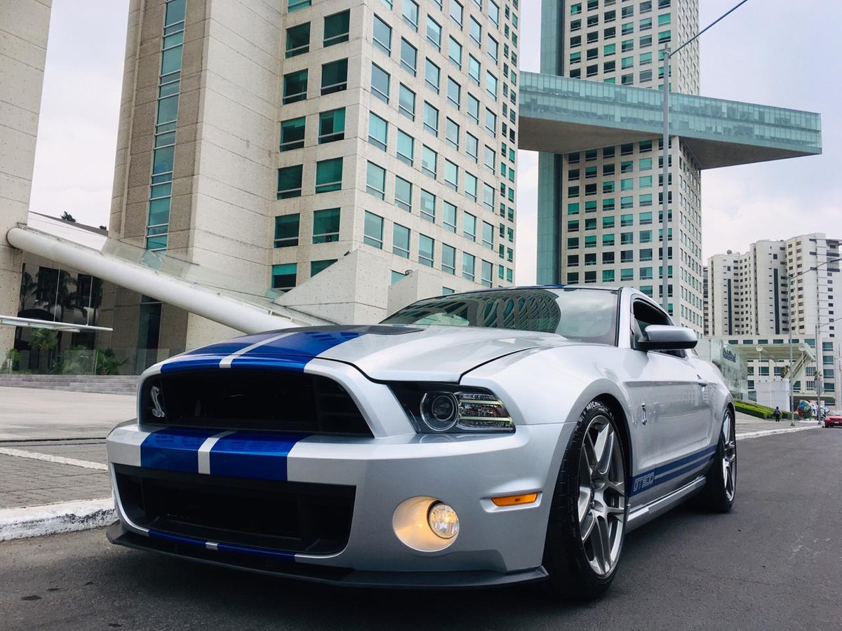 Ford mustang shelby gt500 cargando zoom