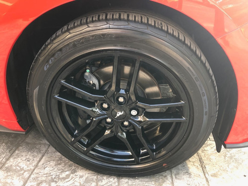 ford mustang v4 turbo modelo 2018  4,000 km