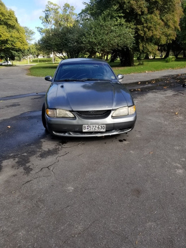 ford mustang v6 3.8 coupe
