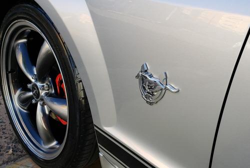 ford mustang v6 a/t série comemorativa 45 anos 2008 2009