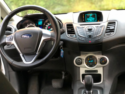 ford new fiesta hatch se powershift automático 2mil ent+999