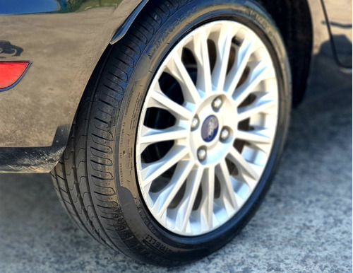 ford new fiesta titanium automático