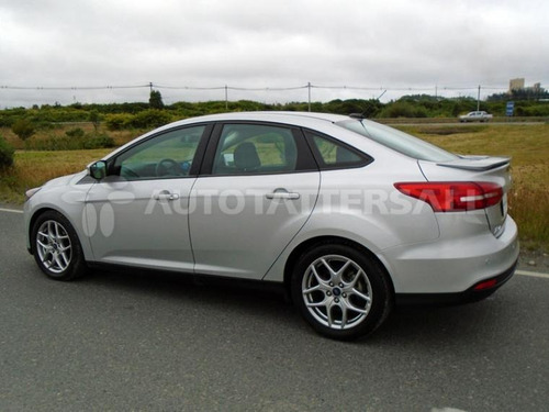 ford new focus se at 2016