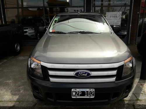 ford ranger 2.2 safety 2013 financio/permuto