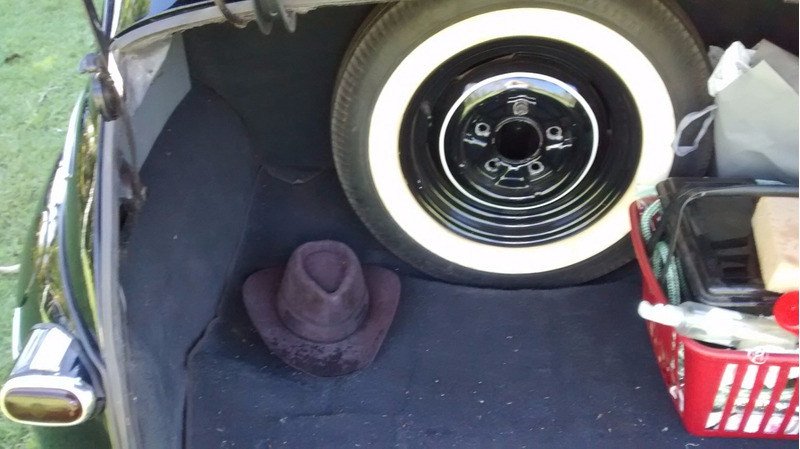 ford sedan 1947 4 portas antigo restaurado placa preta