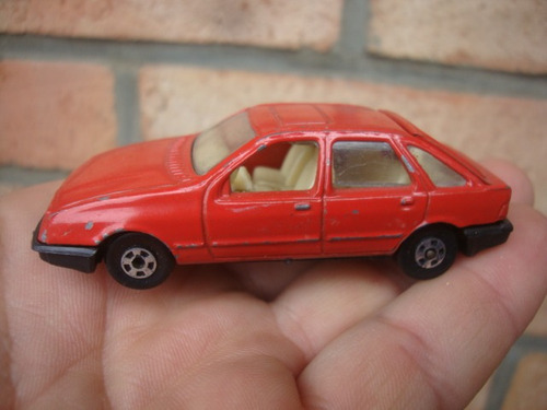 ford sierra marca buby - color roja