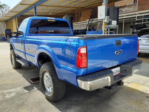 ford super duty 4x4 pickup