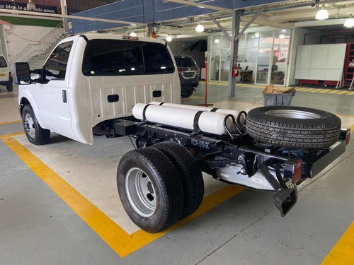ford super duty chasis