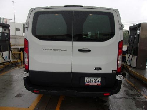 ford transit 250  automática