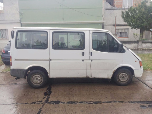 ford transit 97 diesel blanca vidriada con asientos titular!