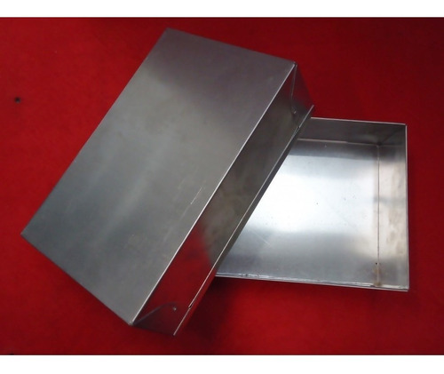 forma retangular 20x15x8cm em alumínio