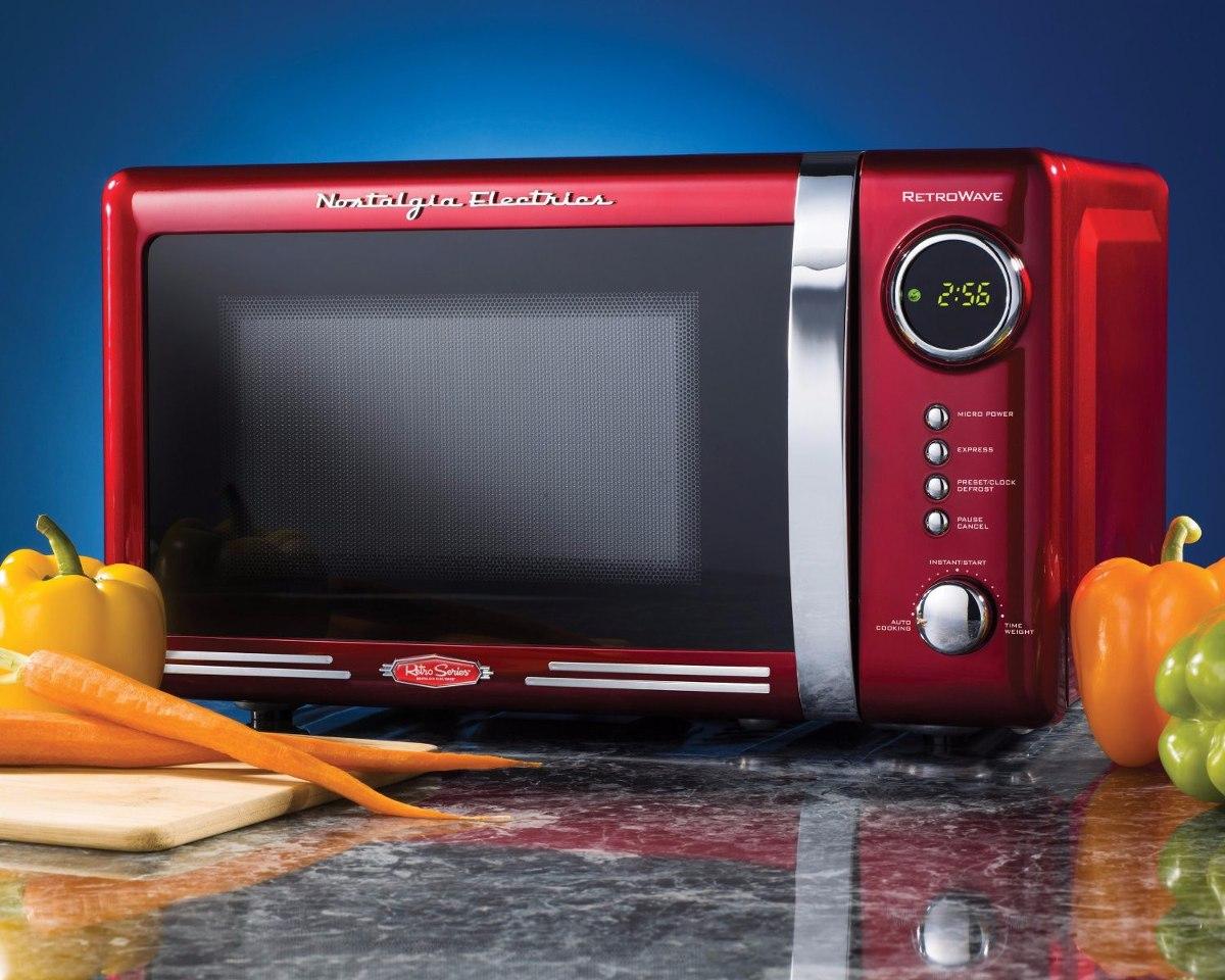 Resultado de imagem para microondas vermelho brastemp