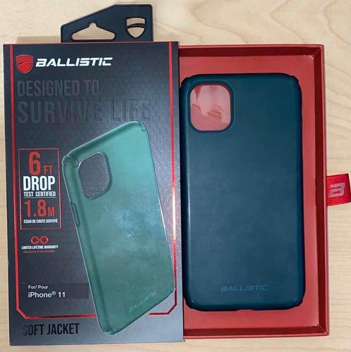 forro de iphone 11 original ballistic color verde oscuro