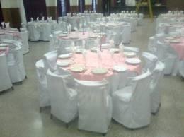 Forros de sillas blancas para festejos bs for Sillas para festejos