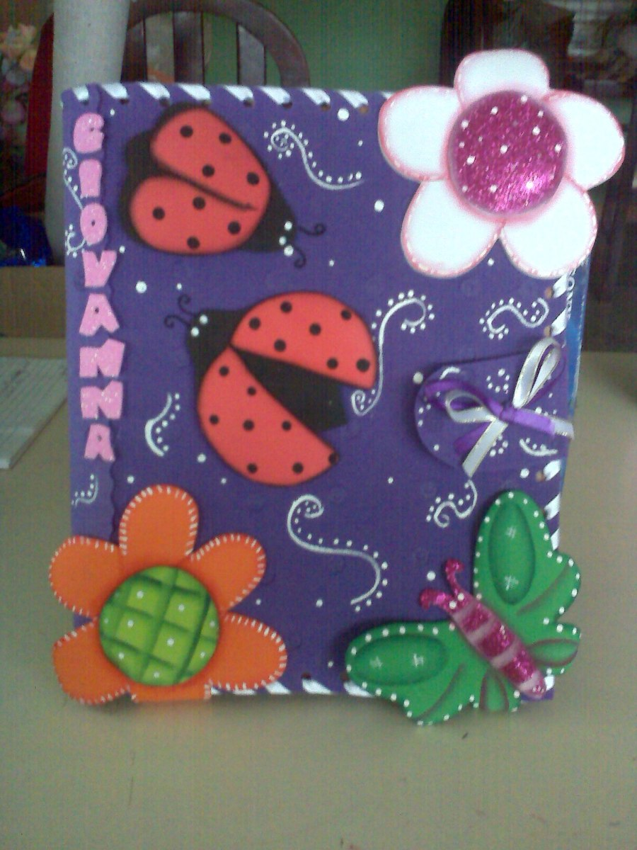 Forros para cuadernos carpetas sobres en foami bs for Sobres de goma eva