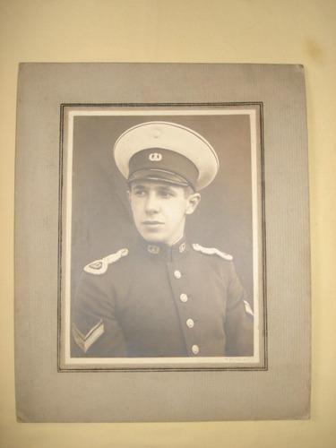 foto de alvaro alzogaray / uniforme militar