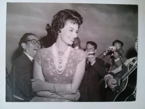 foto de sofia sophia loren 1961 nueva york mariachi