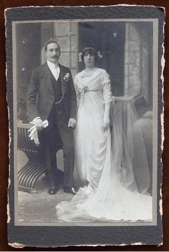 foto muy antigua de pareja de matrimonio