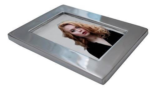 fotoceramica para cementerio 6x9cm con marco incluido.
