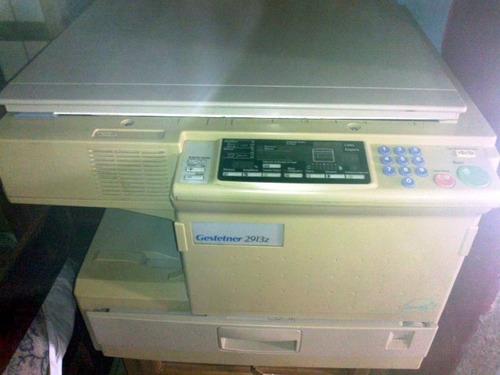 fotocopiadora marca gestetner modelo 2713z.