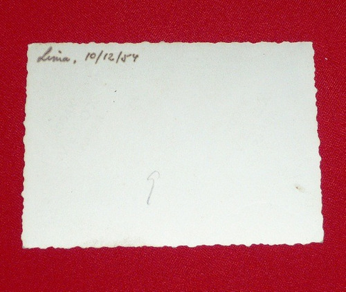 fotografía antigua 3 personas carroza lima 1954 blanco negro