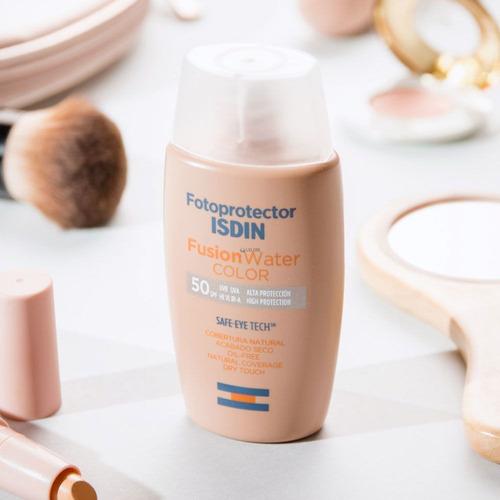 fotoprotector isdin spf 50+ fusion water con color oil free toque seco
