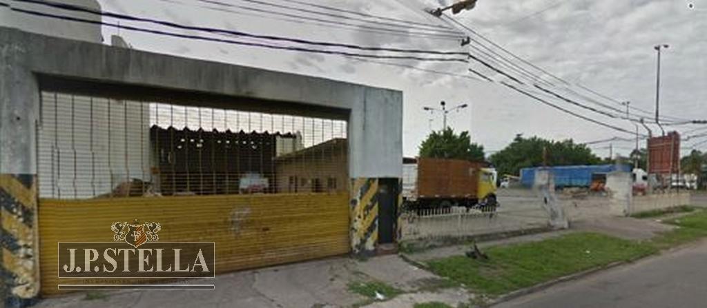 fraccion comercial 2050 m² ideal emprendimiento comercial - villa luzuriaga