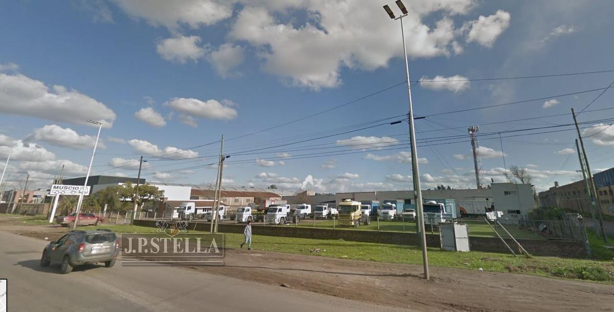 fracción comercial 4676 m² con 754 m² cubiertos - zona comercial - 9 de abril
