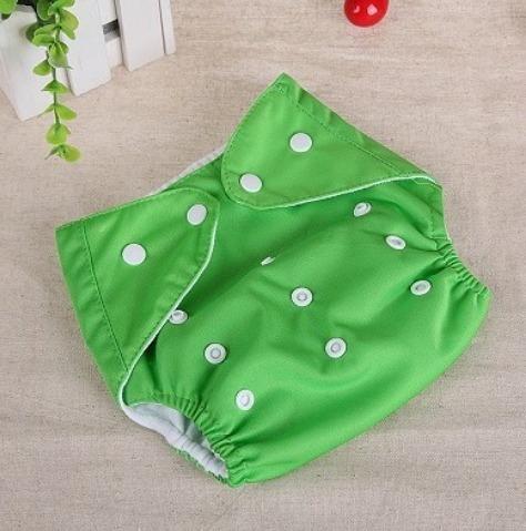 fralda ecológica reutilizavel moderna para  bebês 3 a 13kg