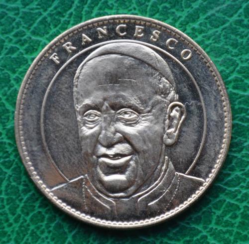 Resultado de imagen para moneda papa francisco notredame