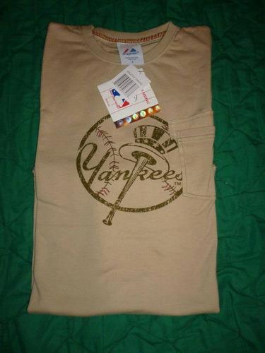 franela crema- marca majestic- talla m yankees de nueva york