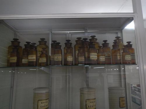 frascos antiguos de farmacia originales