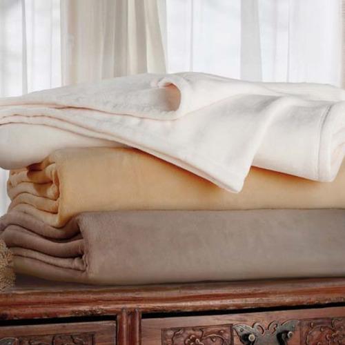 frazada palette símil piel ivory king size 2,8 m x 2,25 m