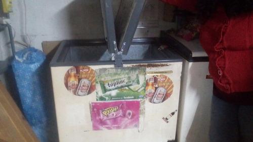 freezer horizontal 220 lt. usado marca metalfrio