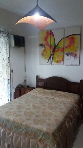 freguesia-maravilhosa casa com 4 q em condomínio alto luxo