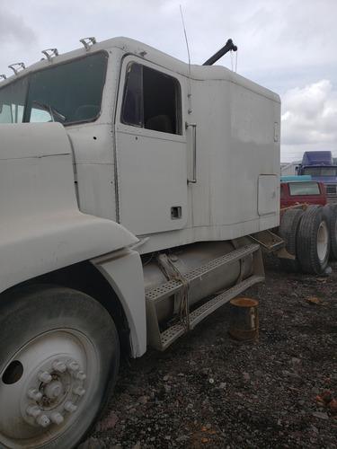 freightliner columbia listo para hacerlo de volteo de 14 met