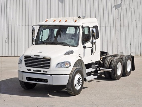 freightliner - m2 106 26 ton. 280 hp tractor 6 x 4 susp.