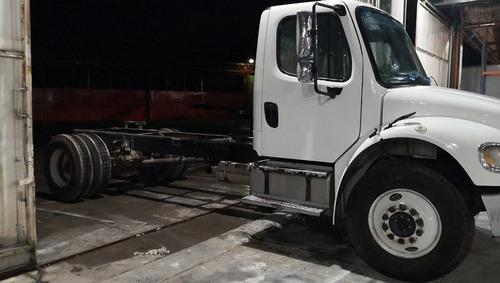 freightliner m2 35k 2015 en buenas condiciones