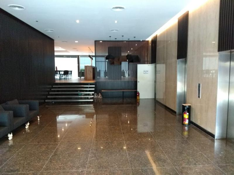 french 3155 - notable oficina de 2 pisos