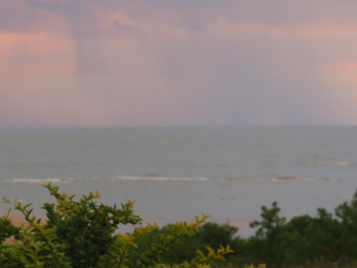 frente a  la playa, en el balneario màs apacible de colonia