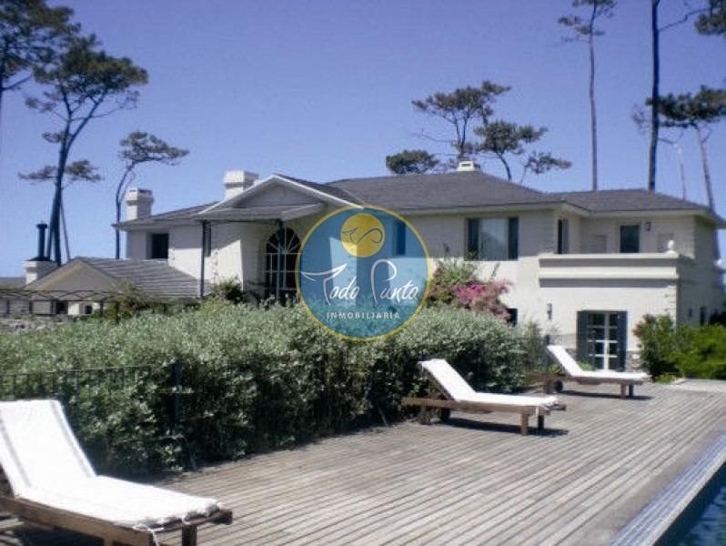 frente al mar, venta espectacular casa punta del este- ref: 4538
