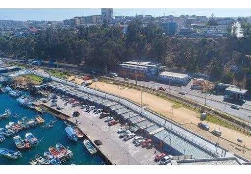 frente al puerto de san antonio