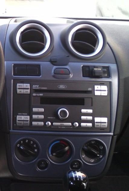 Frente Estereo Doble Din Ford Fiesta Ikon 12-2016