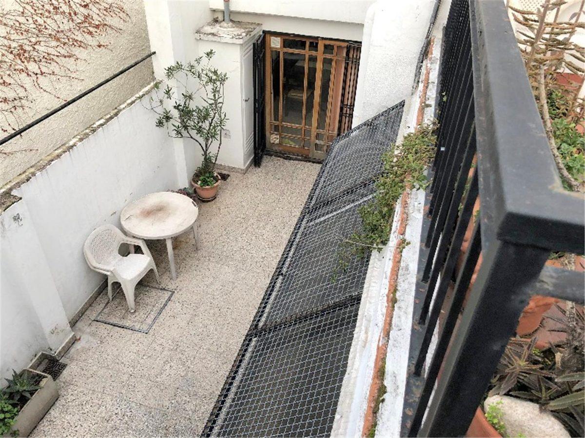 frente p.baja  cochera 2 baños patio trza ent.independiente