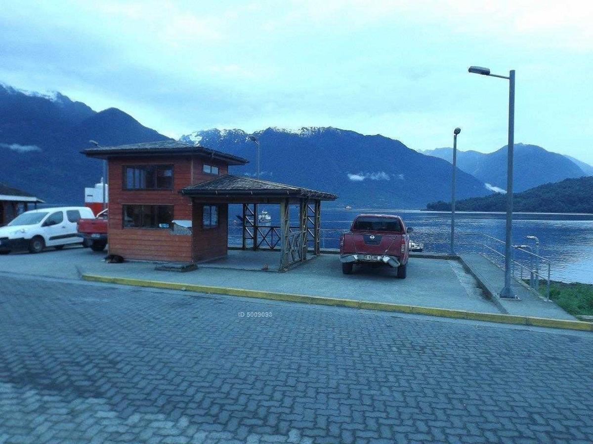 frente puerto embarque
