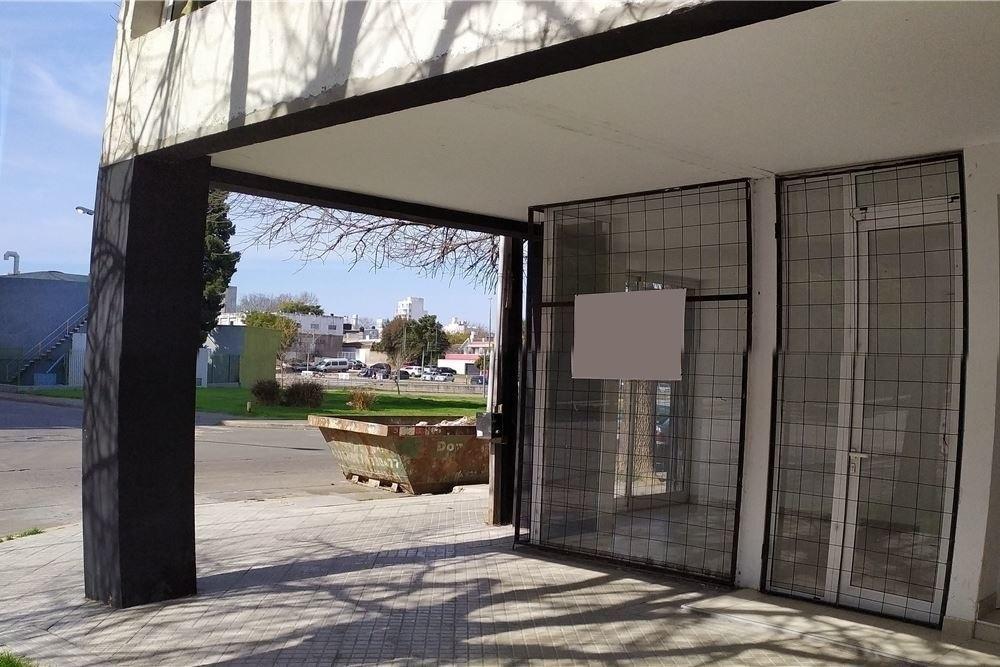 frente shopping portal - asamblea 400 (venta local)