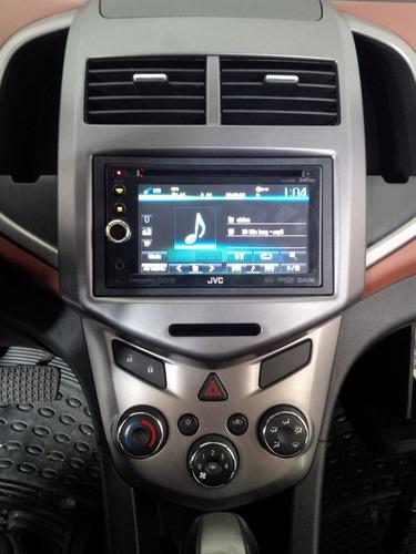 frentes para estereos e interfases de audio y volantes