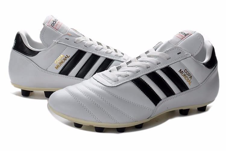 5dede7e7ab Frete Grátis Chuteira adidas Copa Mundial Profissional - R  379