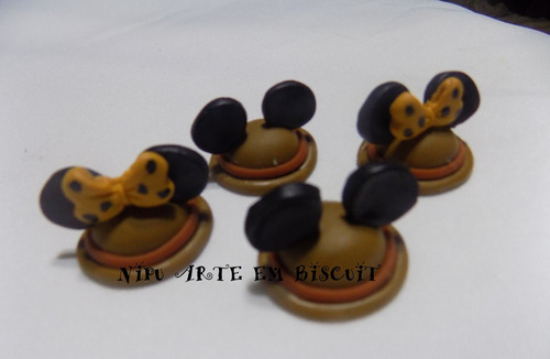 frete r$12,00 30 biscuit mickey minnie safari 3,5cm
