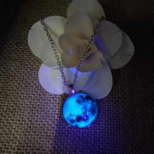 frete r$13 colar pingente lua cheia blue moon brilha escuro